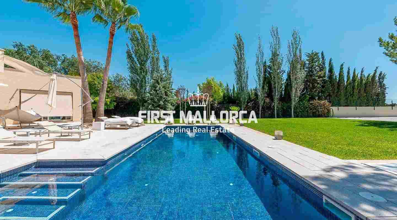 Wunderschönes, modernes Haus mit privatem Pool und Garten.